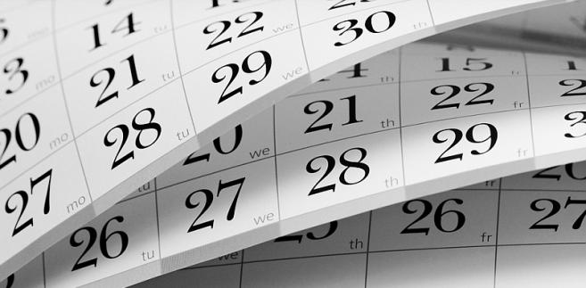 Rocznie pracownik nie może mieć jednak łącznie wyższego wymiaru urlopu niż 20 dni (przy stażu urlopowym krótszym niż 10 lat) lub 26 dni (przy stażu co najmniej 10-letnim)