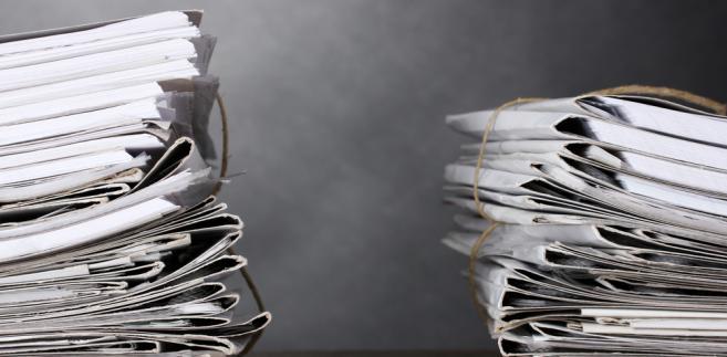 Osoby prowadzące działalność gospodarczą oraz osoby z nimi współpracujące podlegają obowiązkowo ubezpieczeniom emerytalnym, rentowym i wypadkowym.