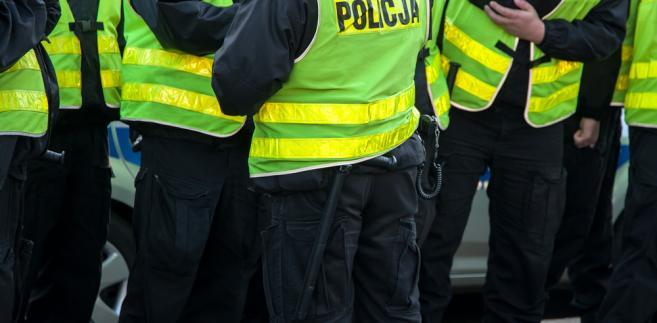 Monitorowanie działań policjantów ma pomóc w przeciwdziałaniu nadużywaniu przez nich siły