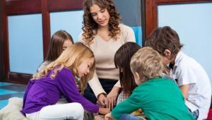 Sąd uznał, że przepisy nie przewidują obowiązku dokonania dopłaty do posiłków dzieci w przedszkolu miejskim przez burmistrza.