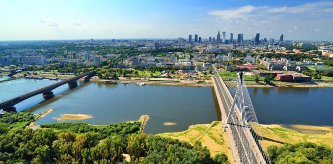 """Czy nad Wisłą w Warszawie wolno pić alkohol? SN: Wykładnia pojęcia """"ulicy"""" powinna być..."""