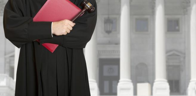 To, ile pracuje sędzia, budzi emocje zarówno opinii publicznej, jak i samych sędziów, tyle że ze skrajnie różnych powodów.