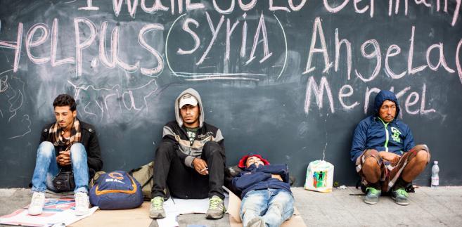 Merkel krytykuje zamknięcie granic na szlaku bałkańskim