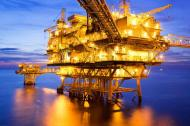 Tania ropa kontra rynek pracy. Ile dziś można zarobić <strong>w</strong> sektorze naftowym?