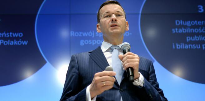Wicepremier, minister rozwoju Mateusz Morawiecki, podczas konferencji prasowej w siedzibie GPW w Warszawie