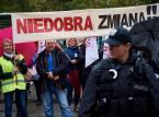 Nauczyciele na ulicy protestują przeciw dobrej zmianie w szkole
