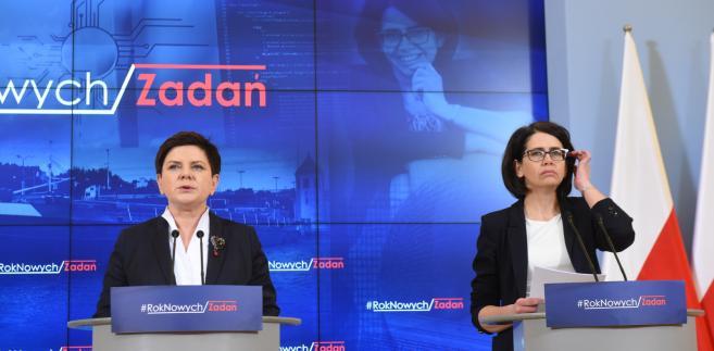 Premier Beata Szydło oraz minister cyfryzacji Anna Streżyńska podczas konferencji prasowej po spotkaniu w KPRM.