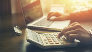 Zasadniczo prawo do 50-proc. kosztów uzyskania przychodów zachowają tylko przedstawiciele zawodów wymienionych wprost w ustawie o PIT (art. 22 ust. 9b).