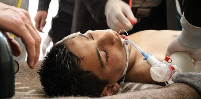 Ofiary ataku, prawdopodobnie gazowego, w Idlib w 2017 roku