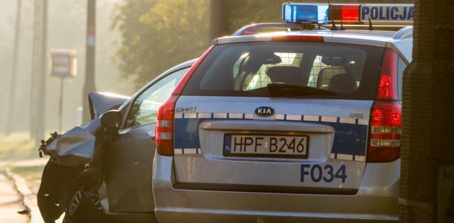 Zgodnie z obowiązującymi przepisami, kierowca który w ciągu 12 miesięcy otrzyma 24 punkty (lub więcej), straci prawo jazdy.