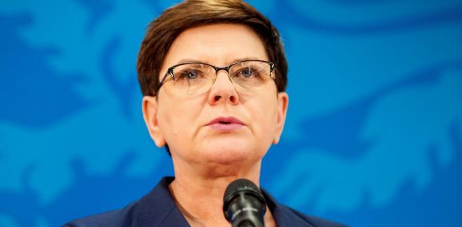 """Szefowa rządu oceniła, że przed Jakim stoi niełatwe zadanie: przywrócić ludziom sprawiedliwość i wiarę w państwo polskie. """"Zaczynamy żmudną pracę, która ma naprawić krzywdę tysięcy ludzi"""" - podkreśliła."""