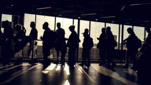 W marcu 2001 r. urząd ds. zatrudnienia w Rijece na mocy decyzji administracyjnej cofnął zasiłek z datą wsteczną – od połowy 1998 r.