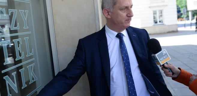 Szef klubu PO Sławomir Neumann poinformował w niedzielę PAP, że wysłuchanie publiczne z udziałem sędziów i prawników zostało zaplanowane na godzinę 12