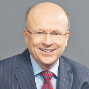 Koen Lenaerts jest belgijskim prawnikiem, prezesem Trybunału Sprawiedliwości UE