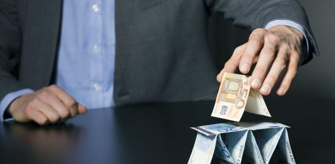 Model biznesowy piramidy finansowej właśnie na tym się opiera, że przez pewien czas jest ona wypłacalna, aż wypłacalna być przestaje.