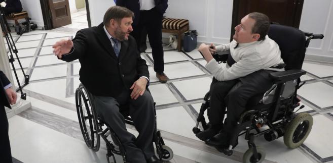 Eurodeputowany Marek Plura po prawej oraz poseł PO Sławomir Piechota