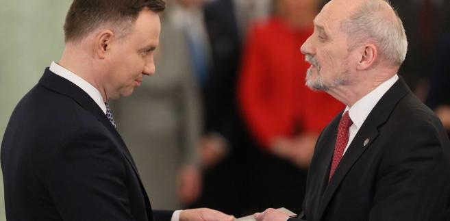 Pozostawienie w rządzie Macierewicza to gwarancja udzielenia rządowi wotum zaufania
