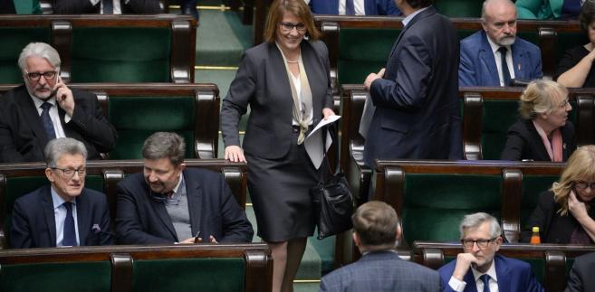 Za kandydaturą Mazurek opowiedziało się 257 posłów