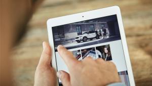 Fundacja Care by Volvo umożliwia dzielenie się autem z innymi. Do tego, by je otworzyć i uruchomić wystarczy specjalna aplikacja.