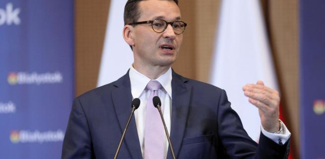 """Na zakończenie wystąpienia powiedział, że """"brak wiary w Polskę i dumy z Polski"""" było tym, czego mu brakowało przez poprzednie 25 lat."""