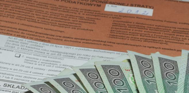 Nawet jeśli podatnik nie otrzyma PIT-11 od płatnika, sam jest zobowiązany rozliczyć się z fiskusem.