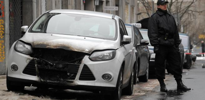 Podpalone samochody na ulicach Warszawy