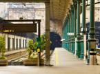 8. miejsce: Stacja Bento w Porto - Stacja została oddana do użytku w 1916 roku. Najbardziej znana jest ze swoich malowideł naściennych i azulejos (cienkich ceramicznych płytek) przedstawiających historię Portugalii.