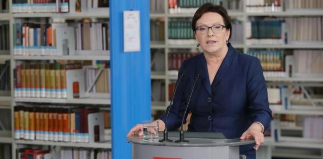 Premier Ewa Kopacz podczas konferencji po wyjazdowym posiedzeniu rządu.