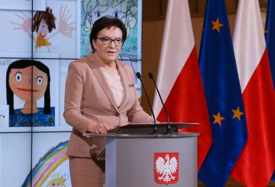 Premier Ewa Kopacz podczas obchodów Dnia Edukacji Narodowej w KPRM.