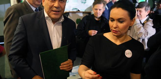 Prezes PSL Janusz Piechociński i szefowa sztabu wyborczego PSL senator Andżelika Możdżanowska