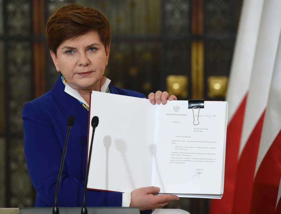 Premier Beata Szydło prezentuje projekt 500+