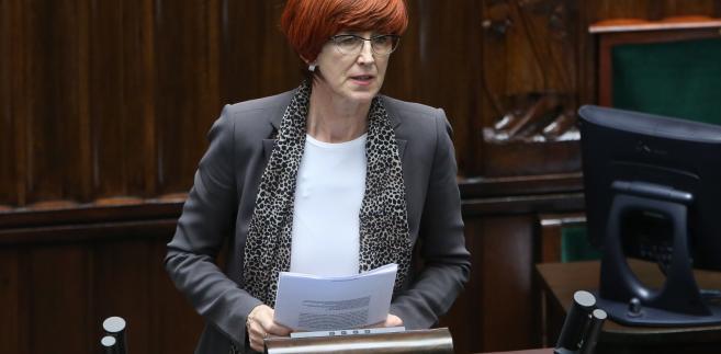 Elżbieta Rafalska podczas debaty sejmowej ws. 500+