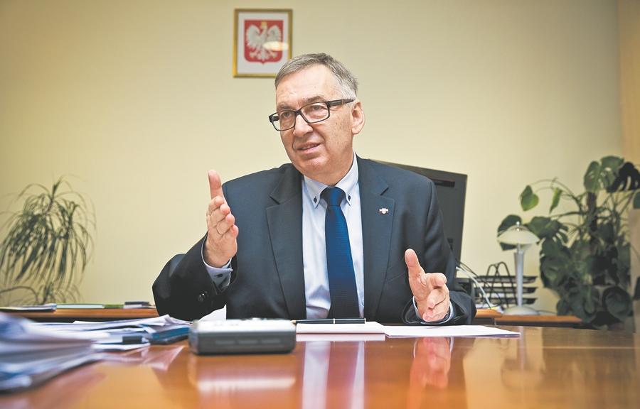 Stanisław Szwed, sekretarz stanu w Ministerstwie Rodziny, Pracy i Polityki Społecznej