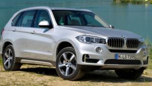 X5 to jeden z najpopularniejszych modeli BMW. Dzięki niemu koncern z Bawarii sprzedał w tym roku w naszym kraju 4,5 tys. aut. To wzrost o 32 proc. r./r.