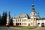 <b>Województwo Świętokrzyskie: Kielce </b><br />  Na zdjęciu widok na Pałac Biskupów w Kielcach