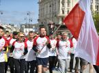 """Ulicami Warszawy przebiegła biało-czerwona sztafeta """"Ponad podziałami"""""""