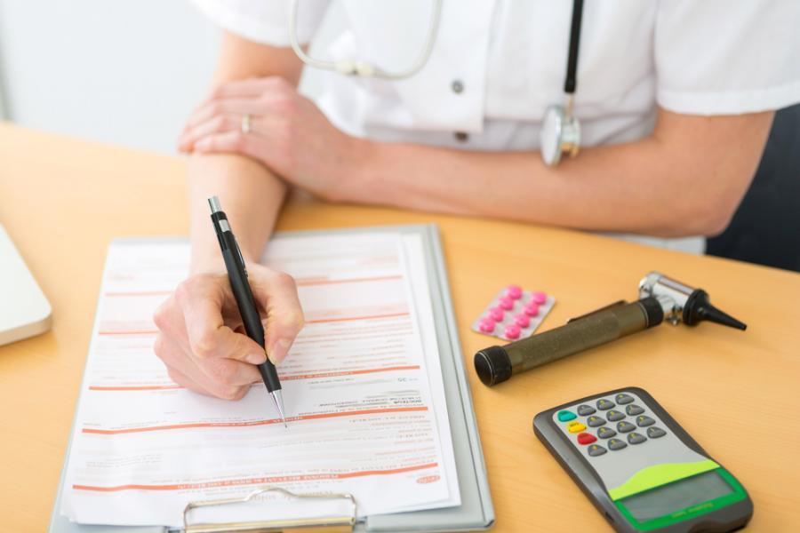 Zwolnienie lekarskie, choroba, leki, termometr