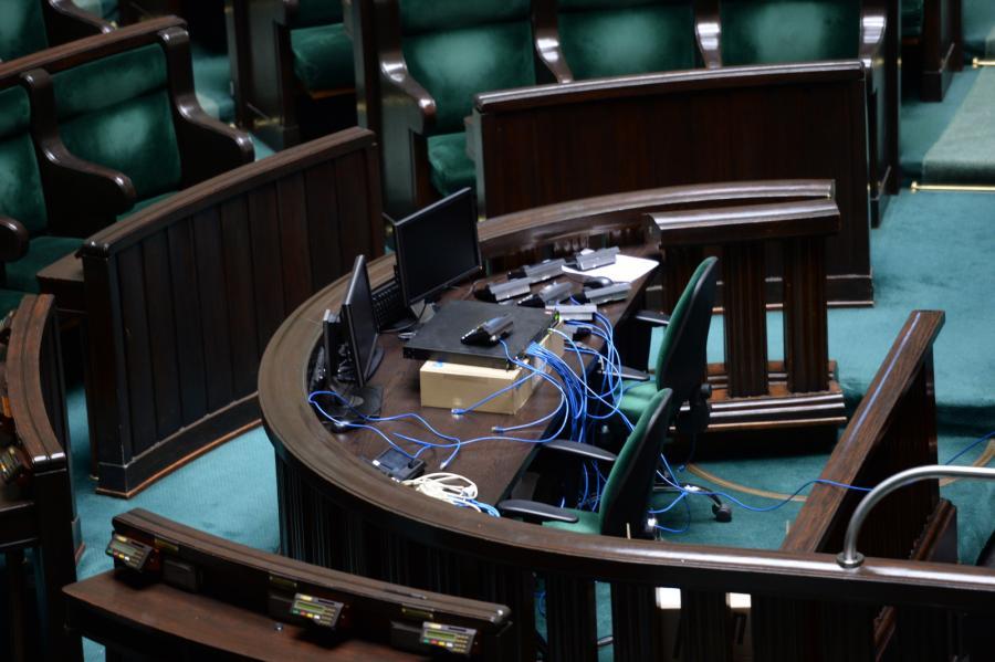 Sejm - modernizacja aparatury do głosowania