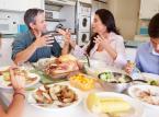 Nienawiść na deser. Dlaczego polityczne spory dzielą rodziny i niszczą przyjaźnie