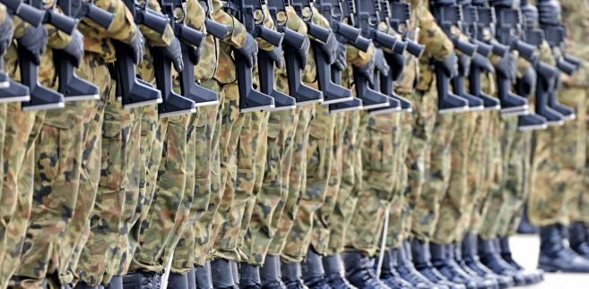 MON zamierza wprowadzić zasadę, że korpus podoficerów będzie gwarantował wyłącznie służbę stałą.