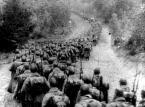 Żołnierze sowieccy wkraczają do Polski we wrześniu 1939 roku
