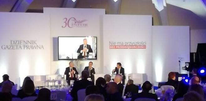 """""""Do wyzwań globalnych należą nie tylko postawy uczestników światowego rynku, ale też otoczenie makroekonomiczne."""""""