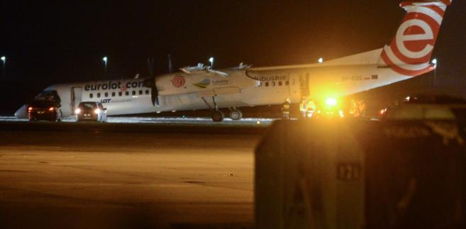 Bombardier Dash Q400, który w środę awaryjnie lądował na Lotnisku im. Chopina w Warszawie