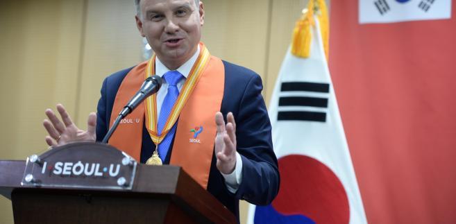 """Prezydent zaznaczył, że na ceremonię inauguracji igrzysk przybyło do Pjongczangu ponad 20 głów państw, co stanowi okazję do spotkań """"towarzysko-politycznych"""""""