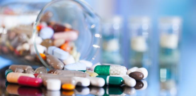 Nowy pomysł ministerstw Sprawiedliwości oraz Zdrowia opiera się m.in. na zobowiązaniu państwowych organów do współpracy z inspekcją farmaceutyczną.