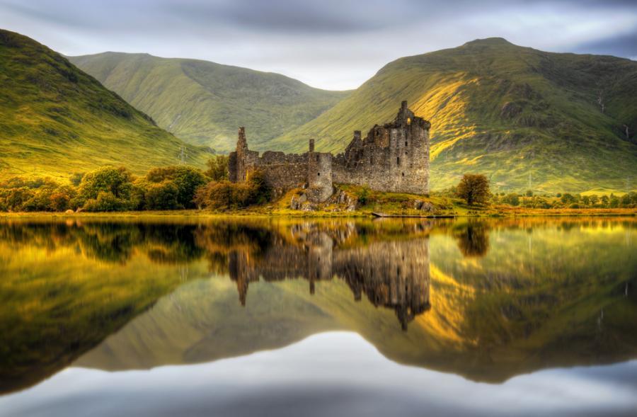 Zamek Kilchurn w Szkocji