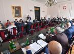 """Sejm: Projekt ws. publikacji trzech """"rozstrzygnięć"""" TK - wraca do komisji"""