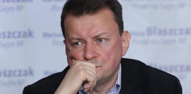"""Warmińsko-Mazurska Brygada WOT odwołuje się właśnie do Armii Krajowej, do patronów związanych z Wileńską Brygadą AK, do tego etosu, który kształtuje naszą tożsamość narodową, tożsamość państwową"""" - powiedział Błaszczak."""