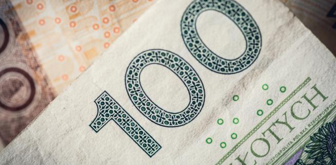 Minister zaproponowała podwyższenie minimalnego wynagrodzenia do 2220 zł