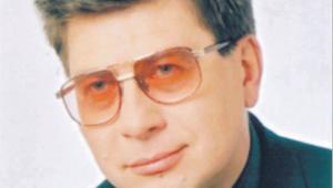 """Piotr Masiukiewicz profesor Szkoły Głównej Handlowej, autor książki """"Piramidy finansowe"""""""